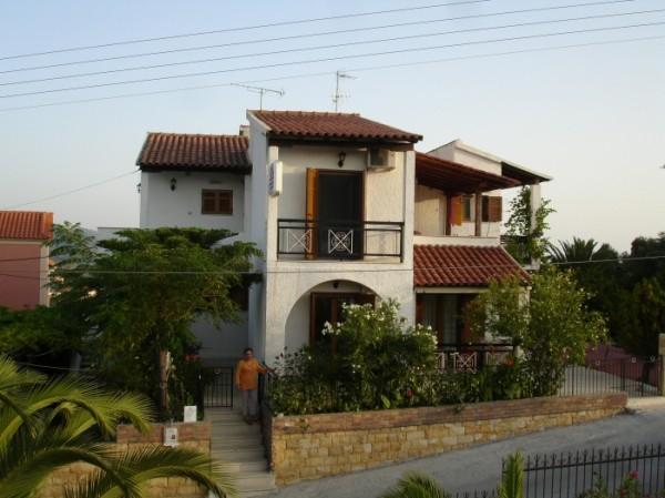 Villa Koussos Apartments
