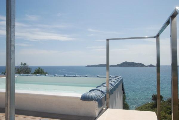 Hotei Arillas Beach Front Luxury Villa
