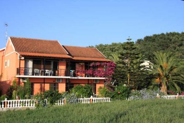 Monamour Kokinos Apartments