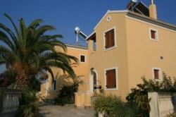 Villa Helen apartments